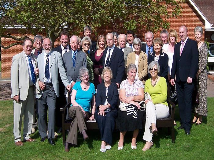 Members and their ladies at Sittinbourne Golf Club Sunday 10th May 2009